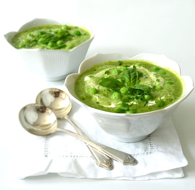fresh pea soup with basil